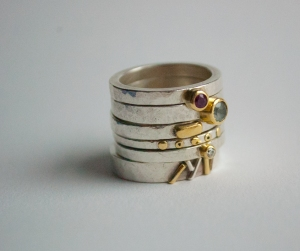 ringstack with stones